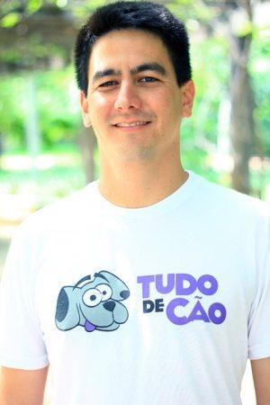Leonardo Ogata Adestrador e cofundador da Tudo de Cão