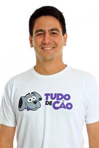 Leonardo Ogata - adestrador e cofundador da Tudo de Cão